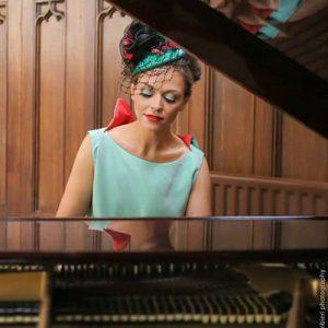 Melissa solo pianist corporate entertainer
