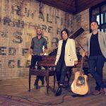 Artoir Acoustic Trio